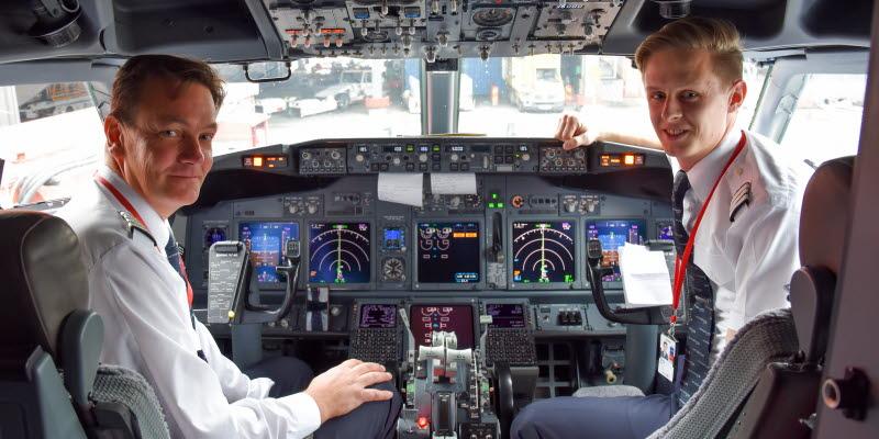 pilotes in cockpit
